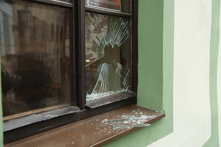 A2B Glass are able to board up broken windows while they are being repaired in West Kensington.